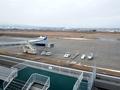 [未分類]到着した羽田発NH313便と旧展望デッキ