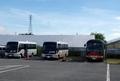 [路線バス]役場駐車場で待機中の豊丘村村営バス