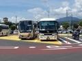 [路線バス]双葉SAで待機中のバスタ新宿行(左は信南交通の続行便)