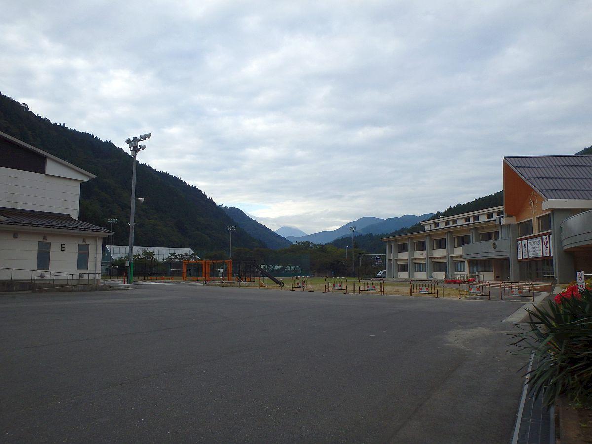 道志小中学校前から見た富士山