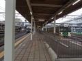 [駅][鉄道]福島駅で発車を待つ仙台行と庭坂行