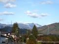 [遠景]岳川にかかる橋から見た早池峰山
