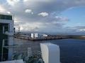 [遠景][建造物]離れていく大間港ターミナル