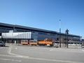 [駅][鉄道]新黒部駅から見た黒部宇奈月温泉駅とトロッコ