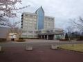 [建造物]ホテルサンルーラル大潟と桜