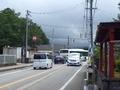 [路線バス]月岡中学校前交差点を右折するバス