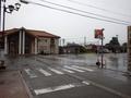 [駅][バス停]雨の電鉄黒部駅