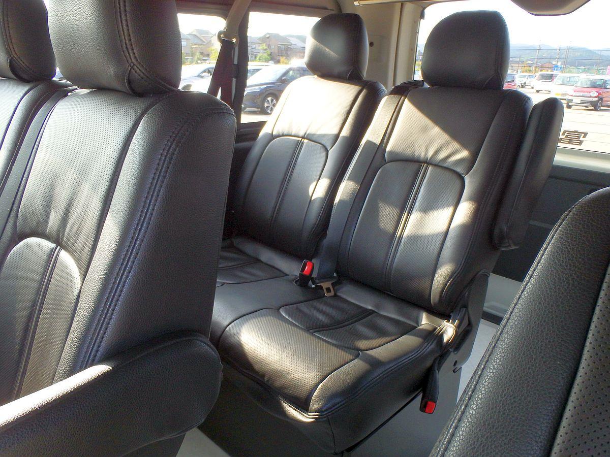 黒革仕様の座席