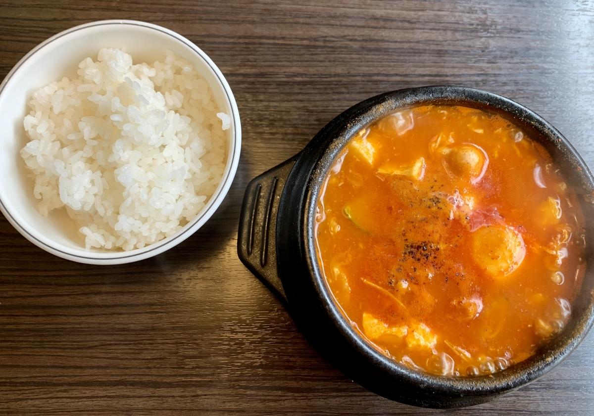 ホシギ2羽チキン 2号店の海鮮純豆腐チゲ
