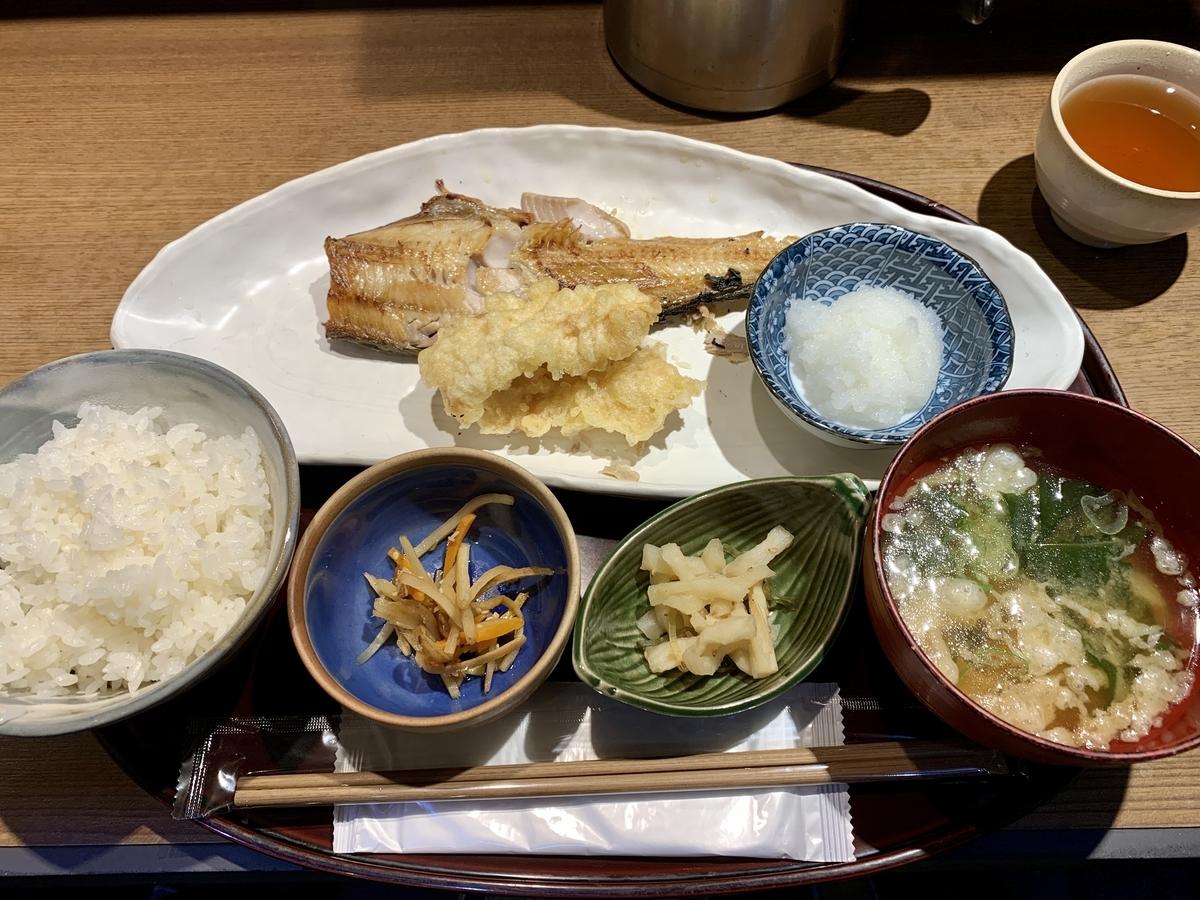 東京イカセンターのホッケ干物定食