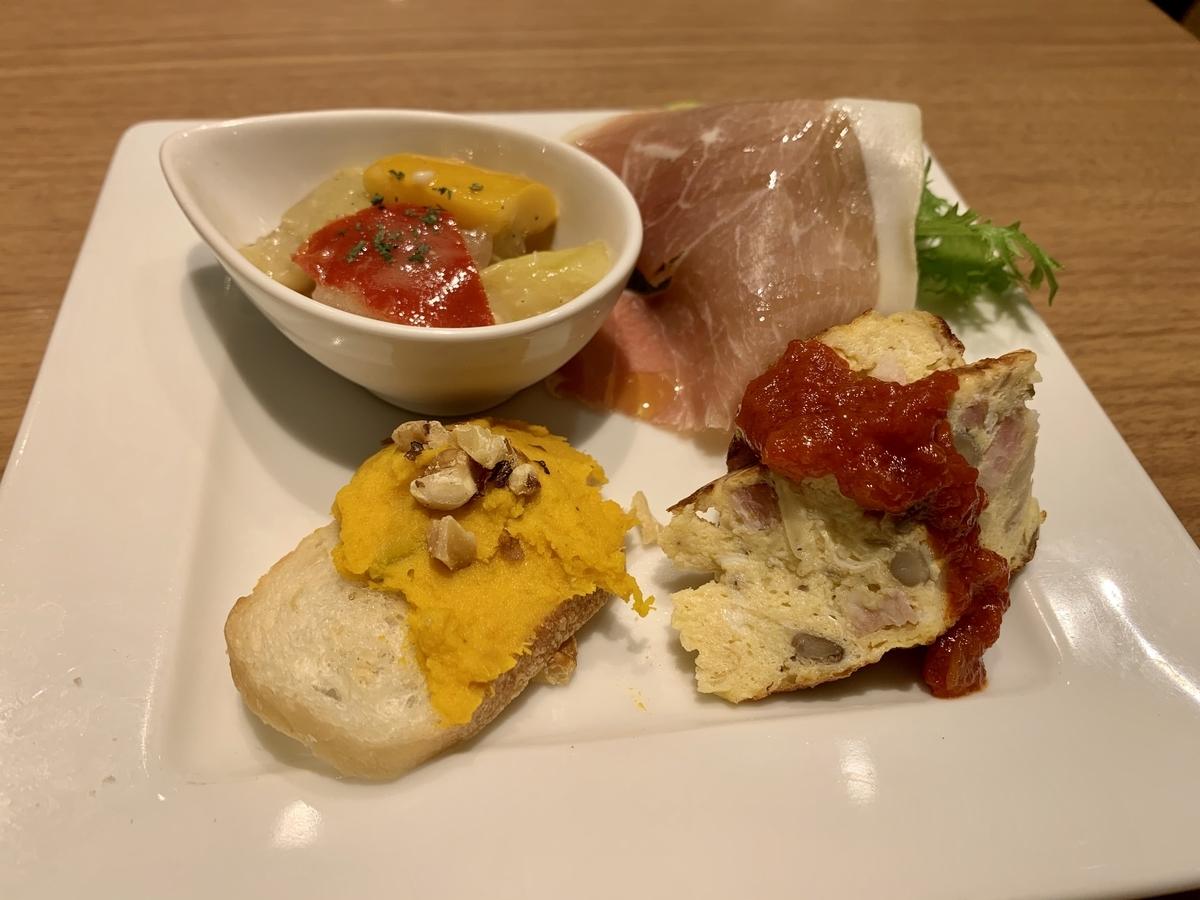 パパミラノ アトレヴィ大塚店の前菜