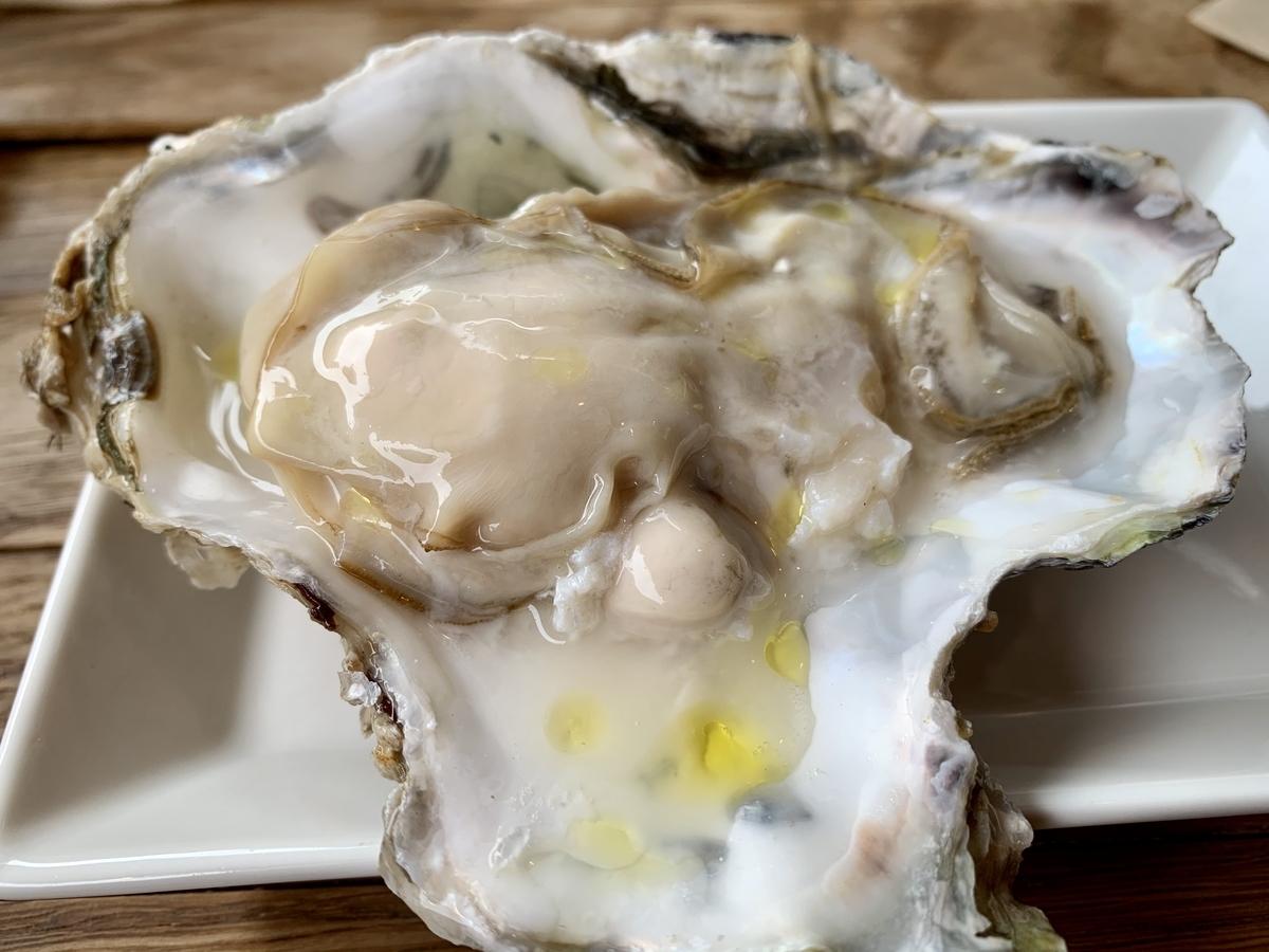 リバーサイドテラス トラットリア VOGUE(ヴォーグ)の生牡蠣