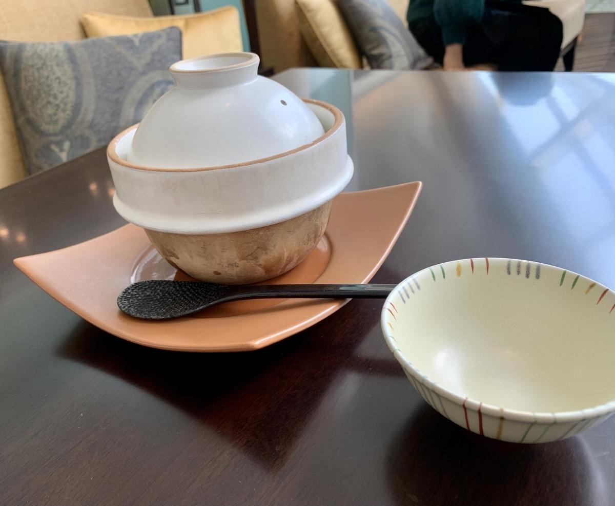東京ステーションホテル アトリウム朝食ブッフェの土鍋ご飯