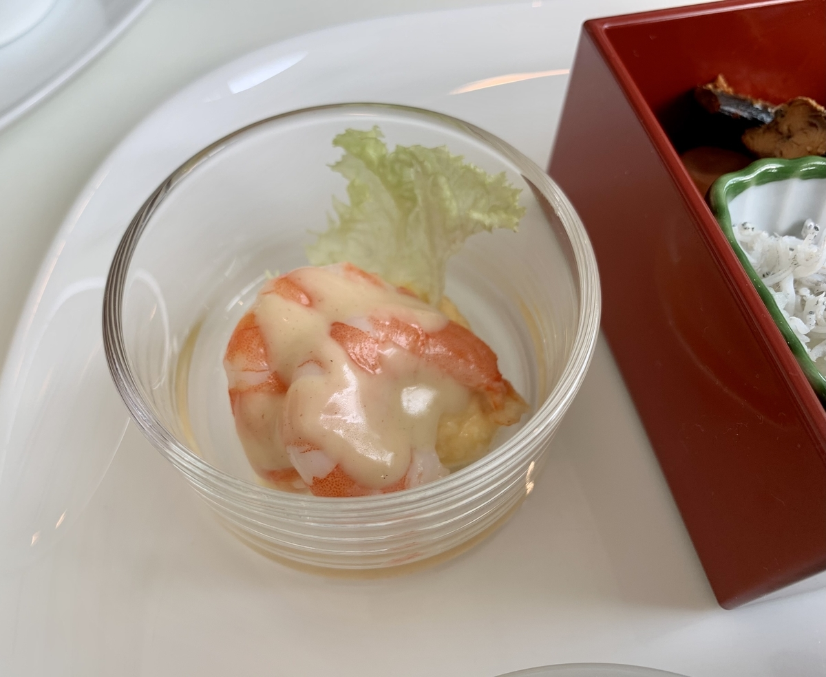 東京ステーションホテル アトリウム朝食ブッフェのエビ