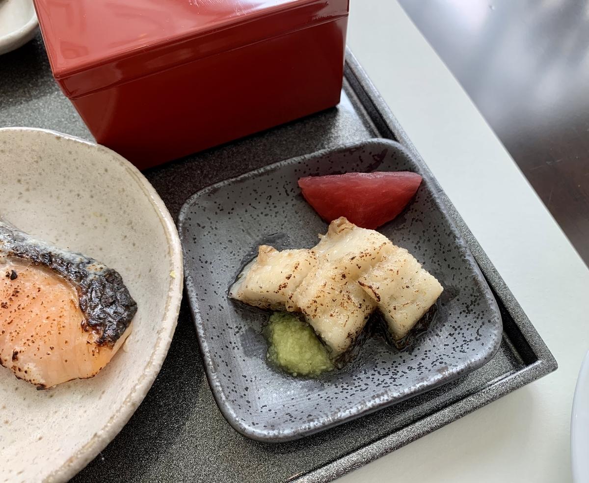 東京ステーションホテル アトリウム朝食ブッフェのうなぎの白焼き
