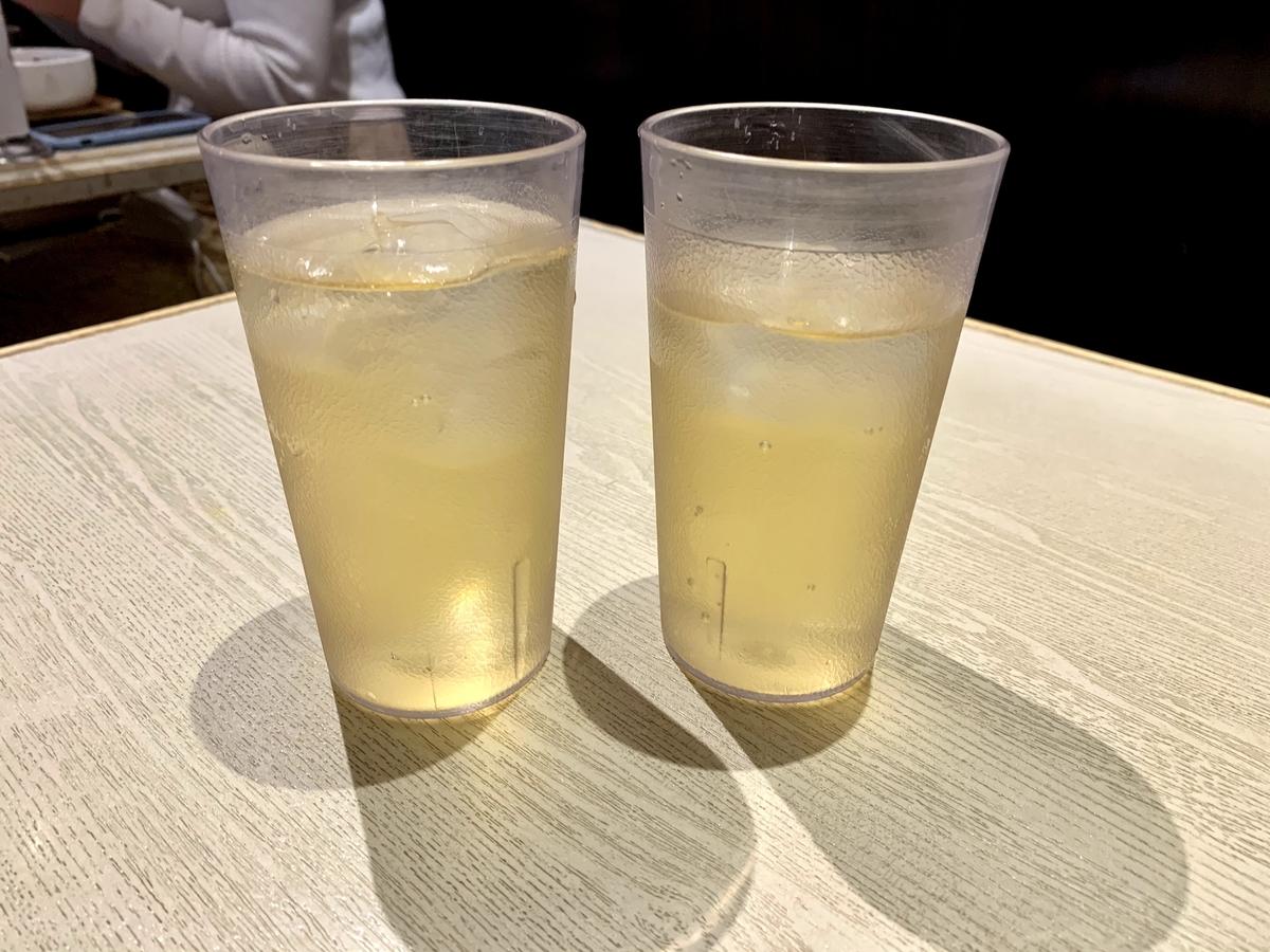 バインセオ サイゴン 有楽町店の蓮の葉茶