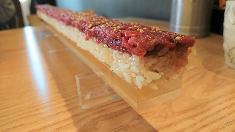 待望のユッケ寿司