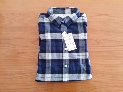 無印良品のオーガニックコットンフランネルチェックシャツ