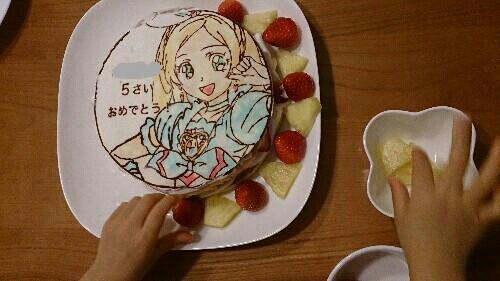 プリキュアの手作りキャラクターケーキ