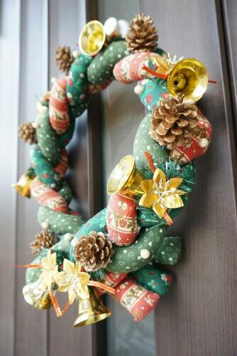 母手作りのクリスマスリース
