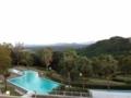 [ホテルセキア]客室からの風景。プールのある庭。2013/10月