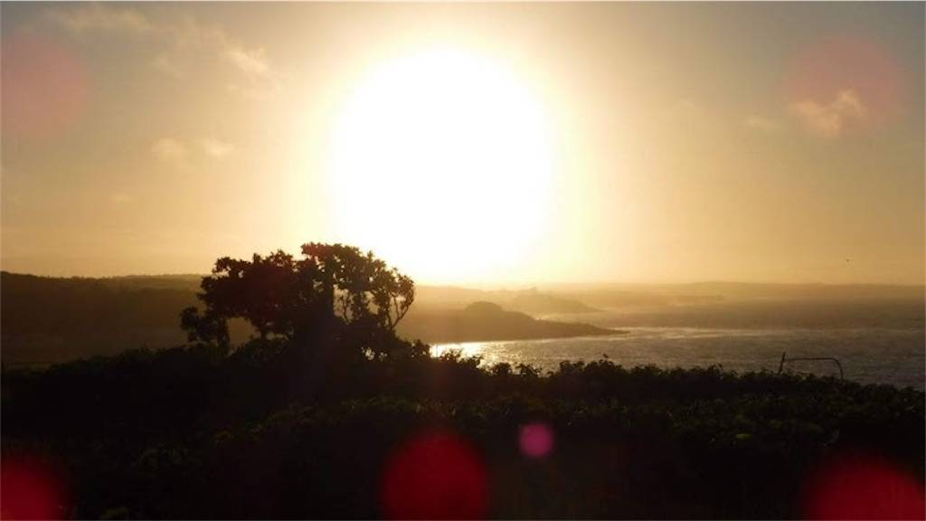 ホテル日の出岬玄関横からの夕日