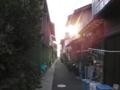 夕暮れの路地