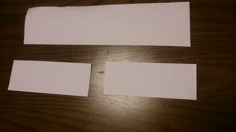 切った画用紙