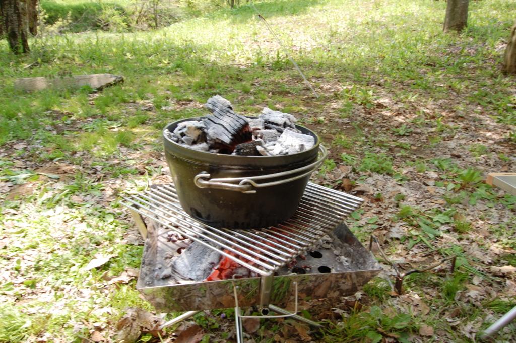 ユニフレーム 焚き火台 ファイアグリル ダッチオーブン
