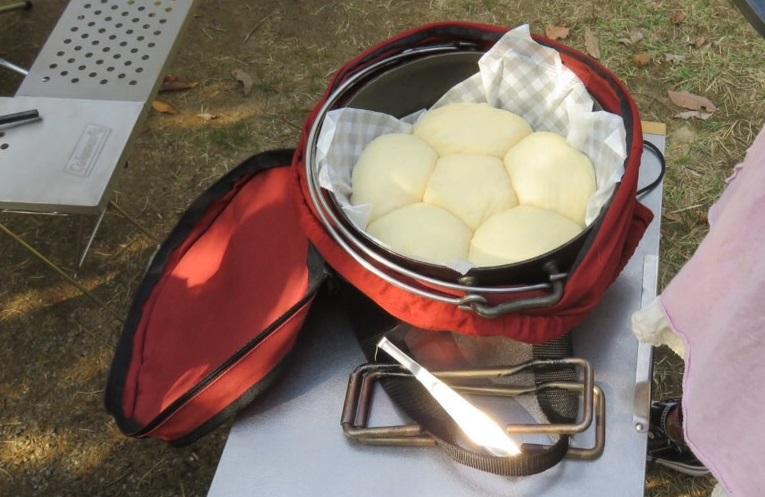 ダッチオーブン パン 発酵