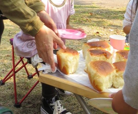 ダッチオーブンでおいしいパン