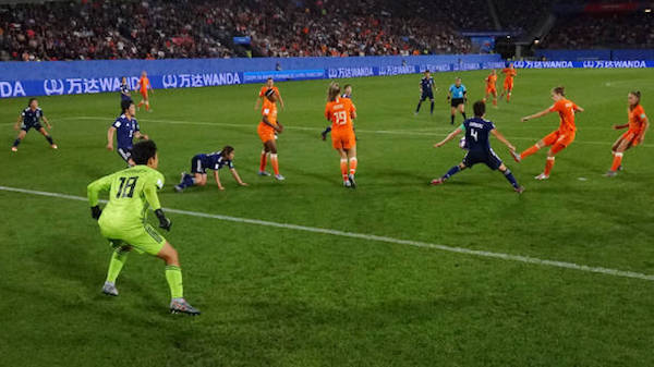 画像:熊谷選手がハンドを取られた場面