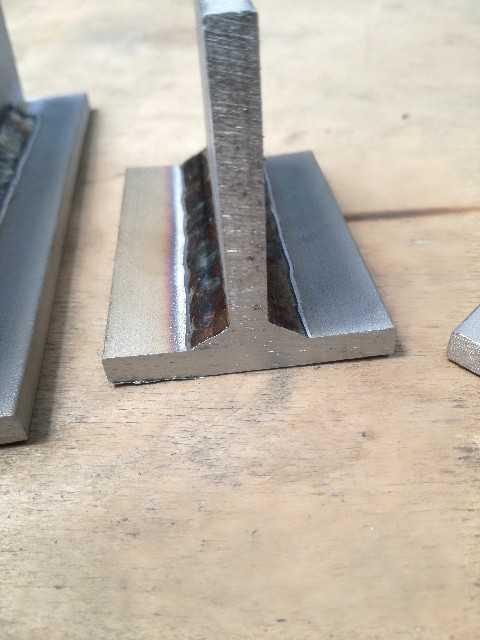 半自動溶接ステンレス鋼溶け込み画像