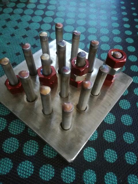 ステンレス溶接で立体四目並べを製作する