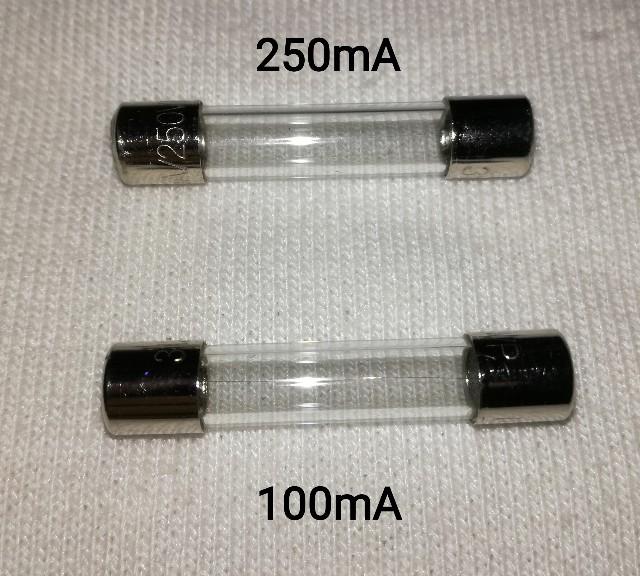 半自動溶接送給装置異常ランプのヒューズ