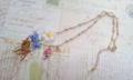 マーガレット畑のバンビネックレス