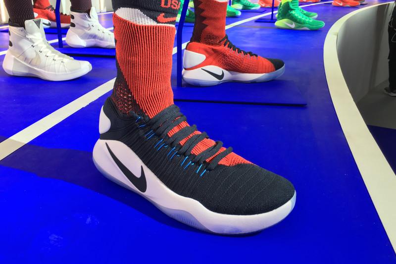 Nike Hyperdunk ... Lebron 11 Elite Team