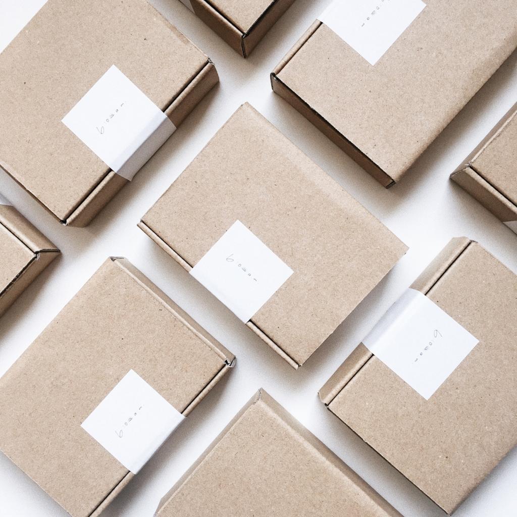6:00 a.m.オリジナルの梱包BOX