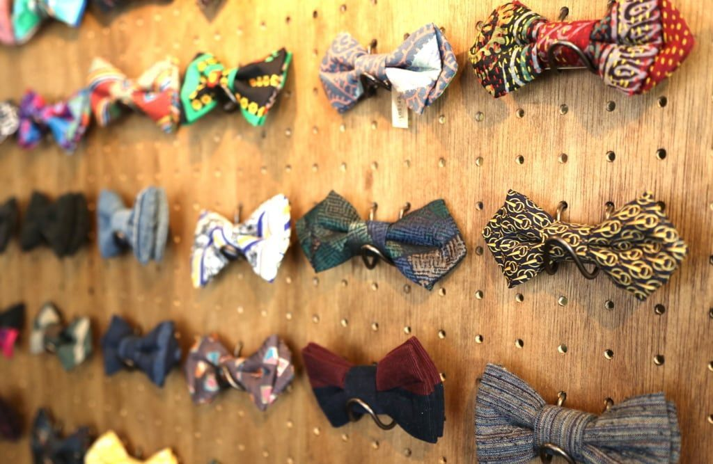 販売している蝶ネクタイ