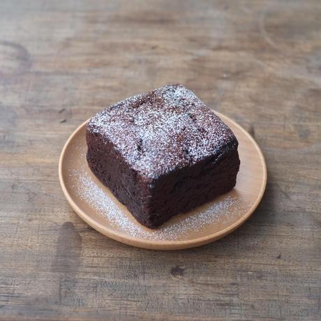 バレンタイン_リボンラッピング込 BUCHE de CHOCOLAT(ビュッシュ・ド・ショコラ)キューブショコラ