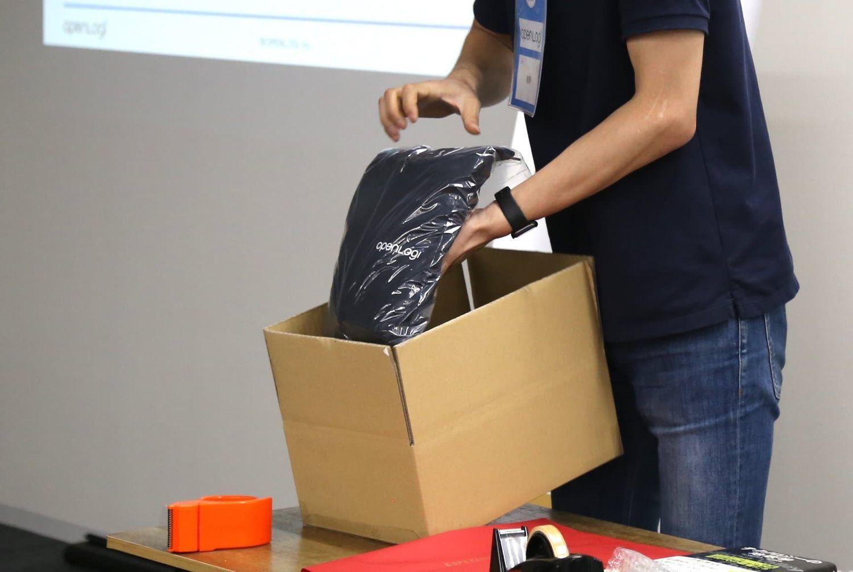 STORES.jp主催の梱包セミナーではプロに梱包方法を実演して頂きました