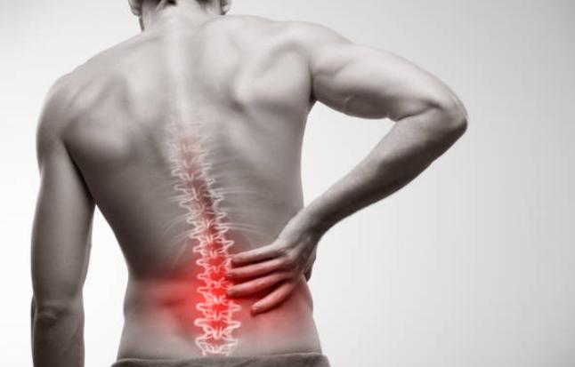 20181215212918 - 腰痛を抱える60代の改善策は筋トレ!参考にしたいメニューとは?