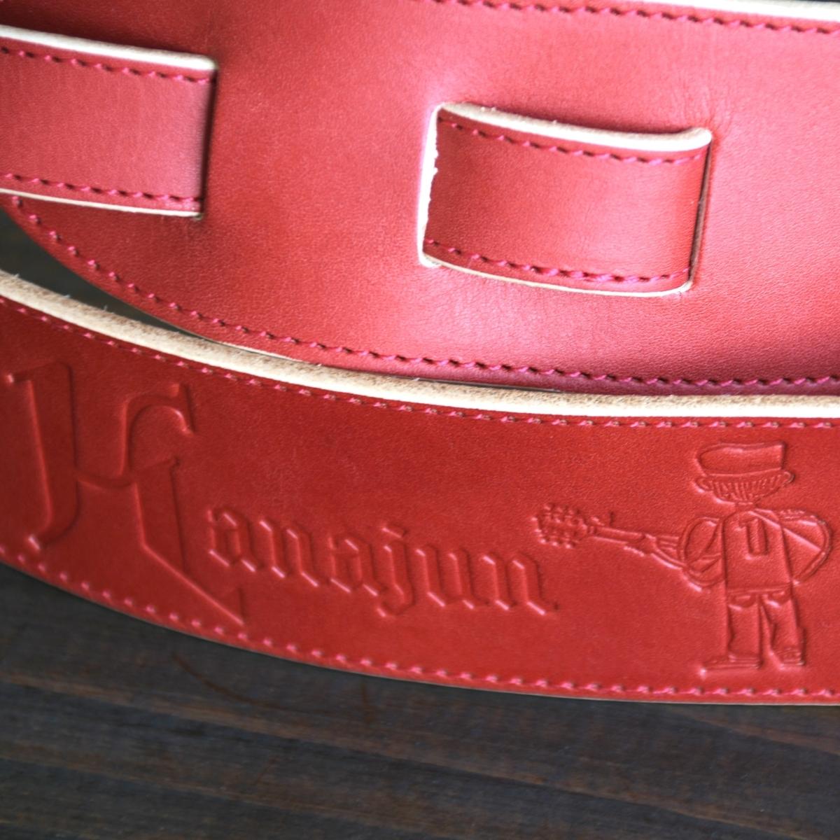 ヌメ革でオリジナル刻印付きのオーダーギターストラップ制作