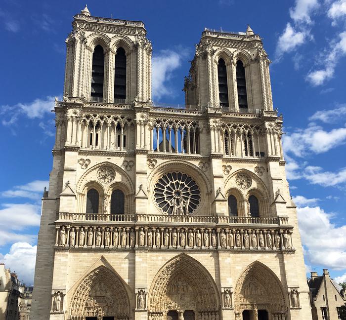 パリ 観光 ノートルダム大聖堂