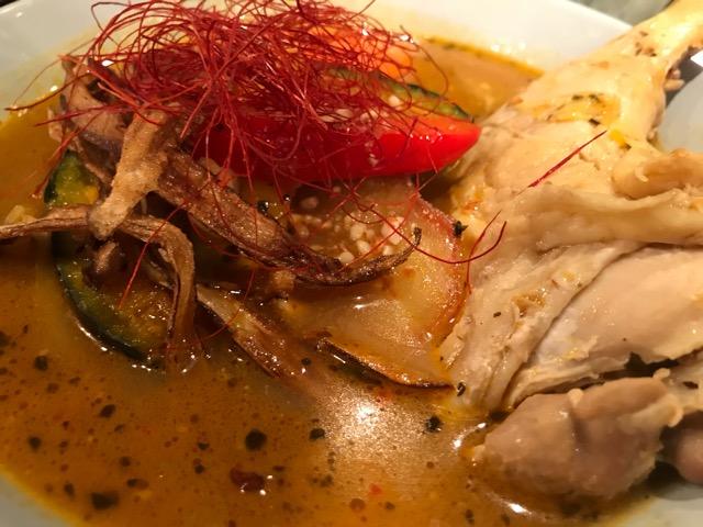 野菜とチキンレッグのスープカレー 拡大