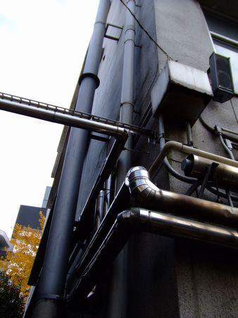 旧赤坂小学校にて - 配管