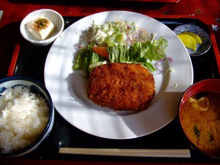 お昼ごはん - コロッケ定食