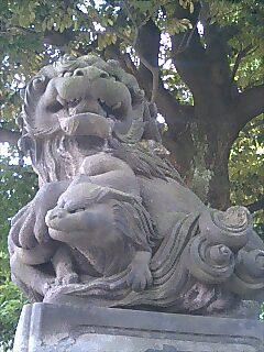 大鳥神社にて 狛犬