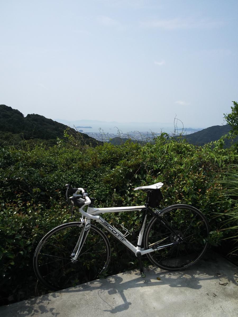 旧桑谷山荘駐車場からの展望