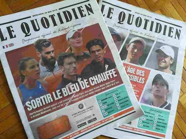 全仏オープンテニス大会会場公式のフリーペーパーが2部